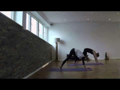 Yogareich Sonnengruss Surya Namaskara a Mantra
