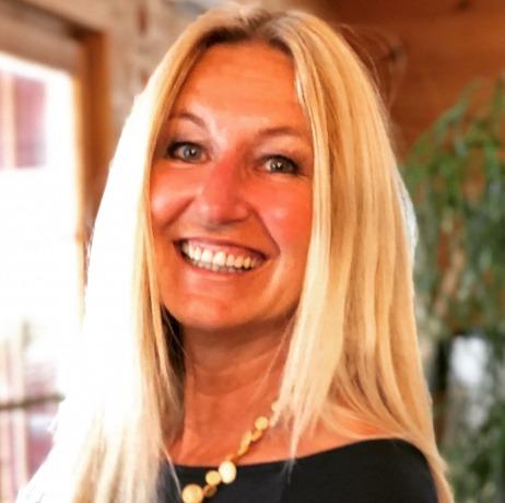 Yvonne van Dyck, IdeRealistin