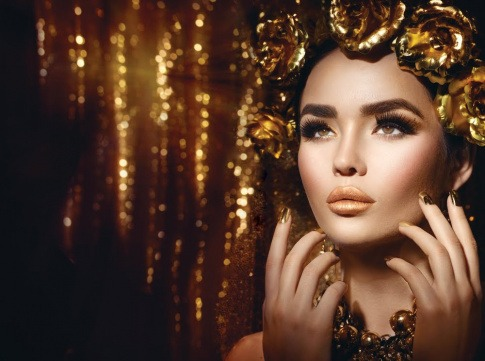 Frau mit Abend Make up