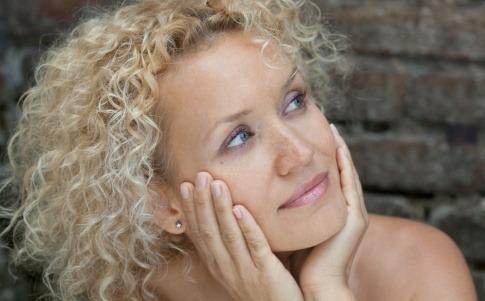 Was wirkt beim Altersflecken entfernen?