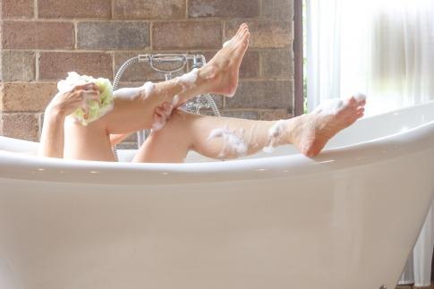 Baden oder Duschen gesünder für die Haut
