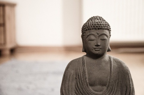 Eine Buddha-Statue als Symbol für Ayurveda