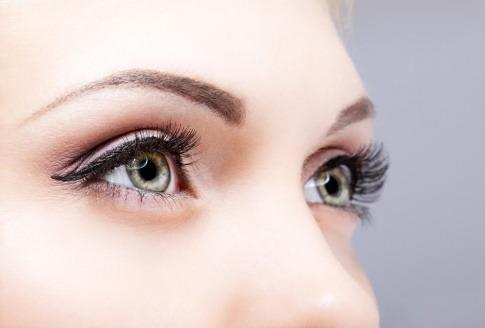 Gesunde Augen einer Frau
