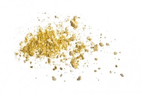 Die feinen Partikel in der Gold Kosmetik beugen feinen Linien im Gesicht vor