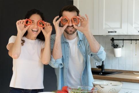 Mann und Frau mit Ernährung gegen Grünen Star