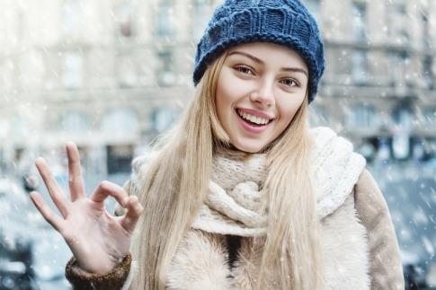 Eine Frau im Winter