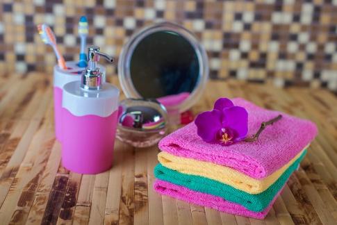 Layering mit Produkten von Skinthings beansprucht ein bisschen mehr Zeit im Badezimmer