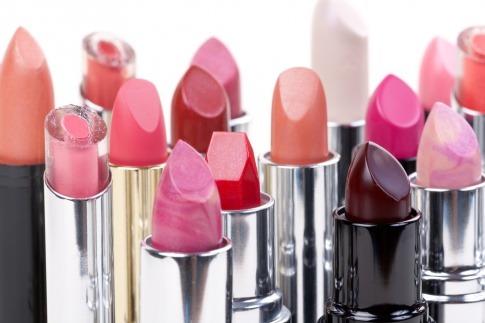 Lippenstifte mit den Farbentrends 2019