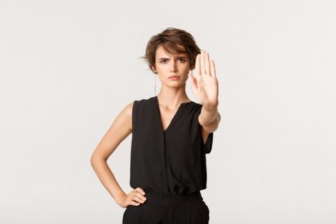 Das Nein sagen lernen muss diese resolut und selbstsicher wirkende Frau nicht mehr.