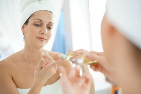 Reife Haut verliert Spannkraft