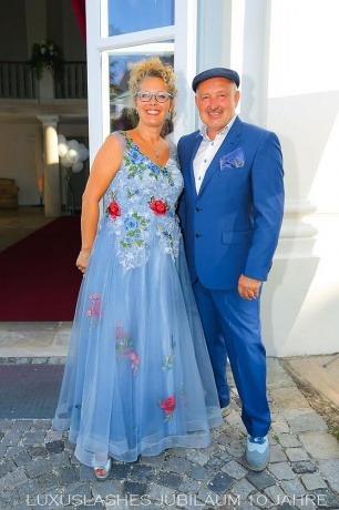 Regina und Henryk Foltynek von LUXUSLASHES feiern