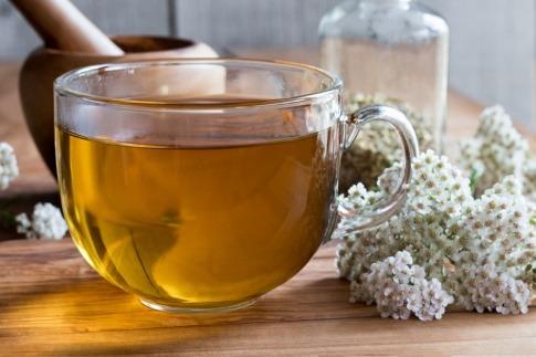 Schafgarbe Tee ist ein beliebtes Hausmittel
