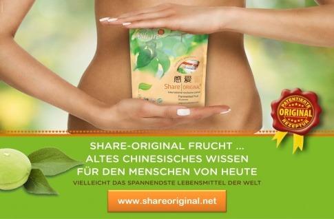 Am Plakat von Share Original ist der Bauch einer Frau abgebildet