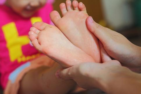 Fußmassage bei Kindern