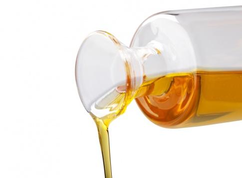 Squalan Öl in einer Karaffe