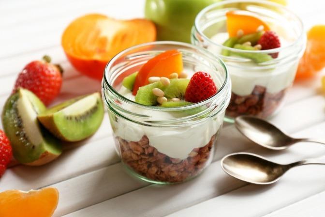 Joghurt mit Obststückchen