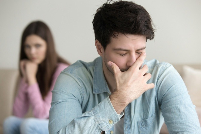 Ein Paar ist frustriert