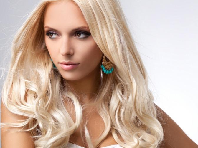 Blondes Girl Bei Einem Heftigen Facial!
