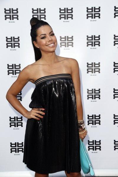 Ein Model trägt die Frisur Bun auf der Fashion Week Berlin