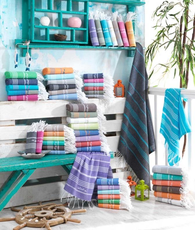 Bunte Stoffe und Tücher von LeStoff