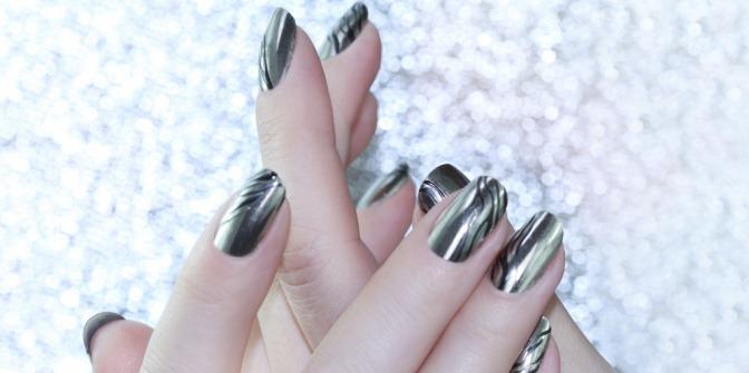 Chrom Nägel Der Trend Mit Glanz Auf Den Fingernägeln