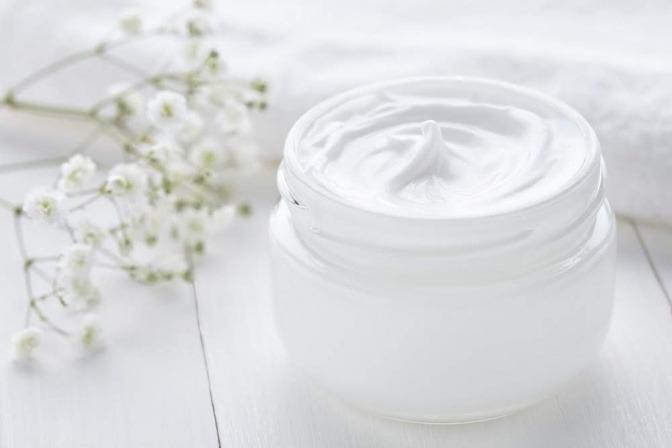 Hochwertige Kosmetika werden oft mit Hydrolaten versetzt.