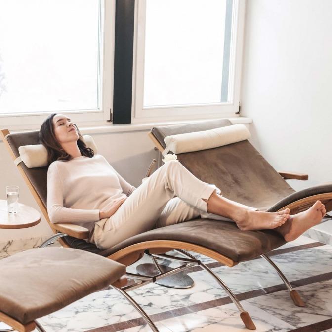 Eine Frau entspannt sich