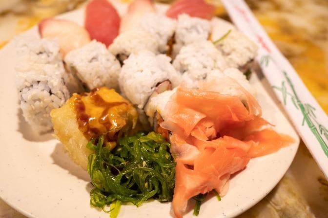Lebensmittel und essbare Algen mit Jod