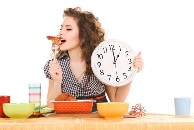 Abnehmen durch Essenspausen ist das Geheimnis von Jugend und Wohlfühlgewicht.