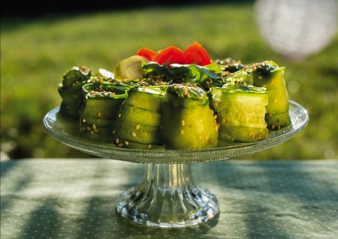 Gurkenröllchen mit Spinat-Cashewfülle von Michaela Russmann