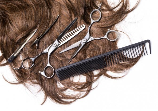 Haare, Kamm und Schere