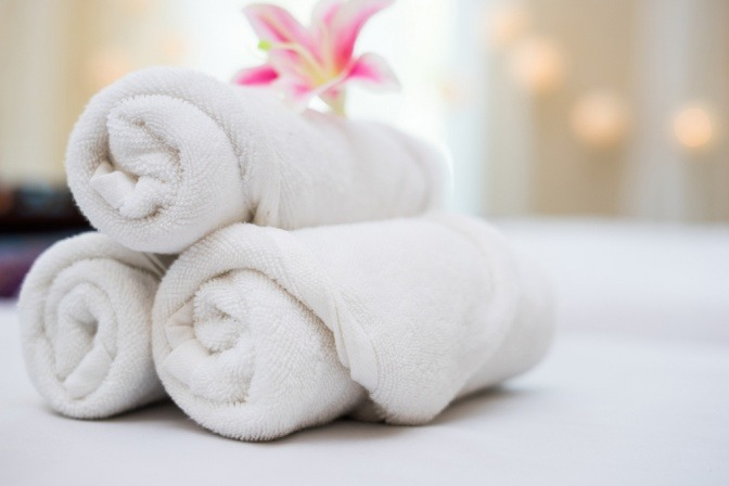 Handtücher für einen Spa Aufenthalt liegen bereit