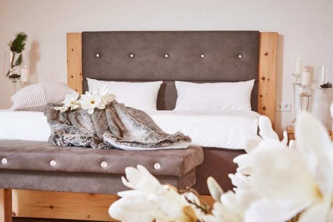 Hochwertiges Bett aus Zirbenholz