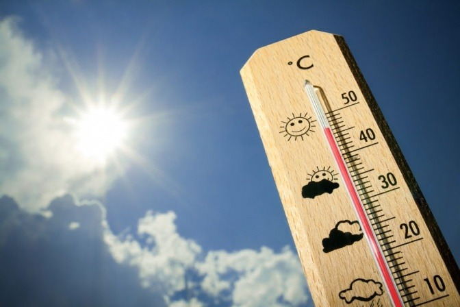 Thermometer zeigt Hitze an