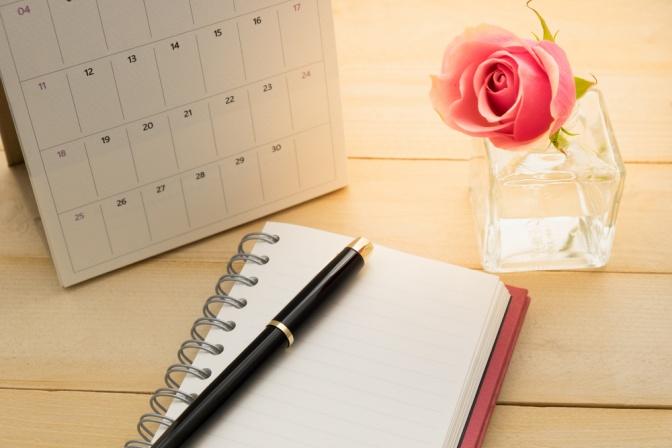 Tischkalender mit Stift
