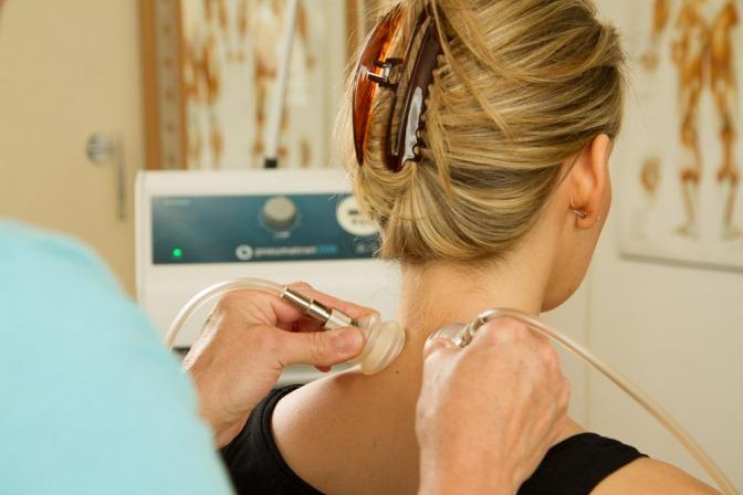 Massage gegen Migräne mit dem Pneumatron
