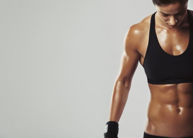 zweimal abspritzen muskulöse frauenkörper
