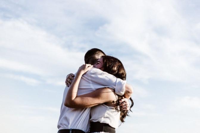 Zueinander finden: Tipps für die Versöhnung nach einem Streit