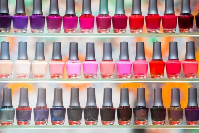 Farbig medizinischer nagellack Nagellack Test