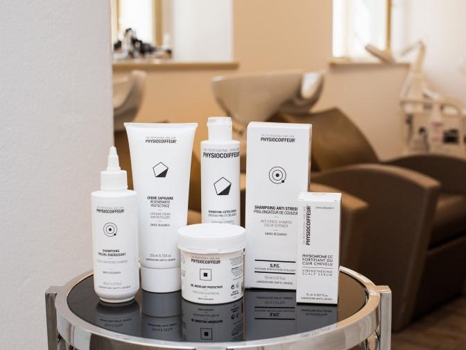 Physiocoiffeur-Produkte zur Kopfhaut- und Haarpflege.