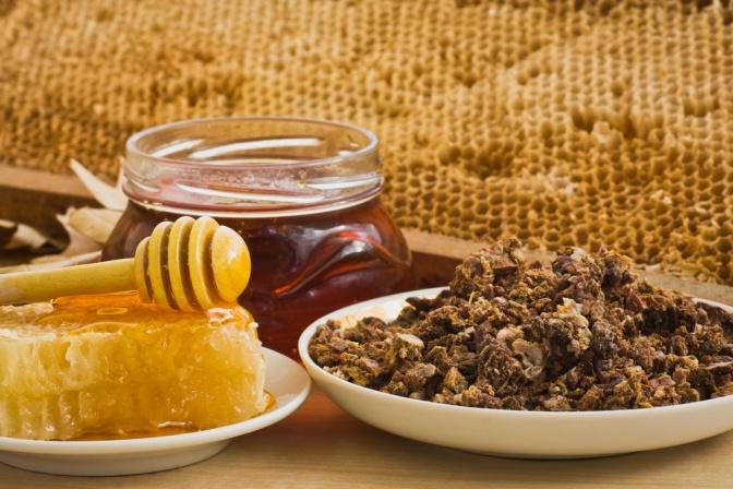 Bio-Propolis und Honig