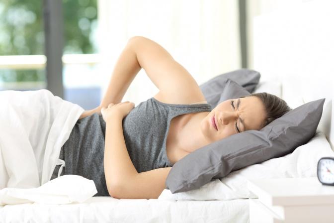 Wie das richtige Bett Rückenschmerzen beim Liegen vermeidet