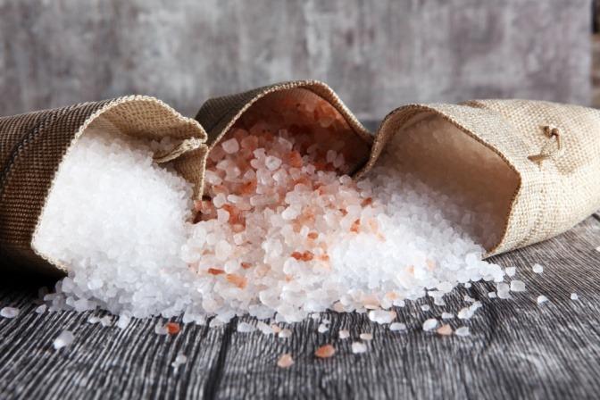 Unterschiedliches Salz für Gesichtsdampfbad