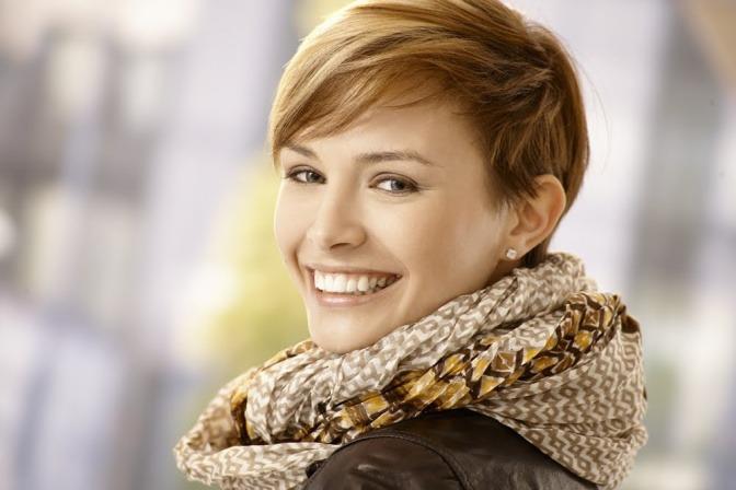 Frau mit schöner und glatter Haut