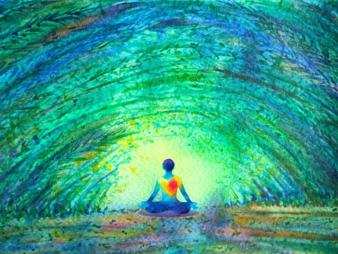 Ein mit Wasserfarben gemaltes, abstraktes Bild der Rückansicht einer im Schneidersitz verweilenden Person, die ein rot leuchtendes Energiezentrum im Brustkorb hat.