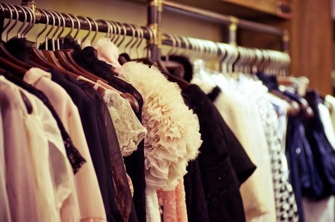 Nicht zu jedem von uns passen erdfarbige Kleidungsstücke