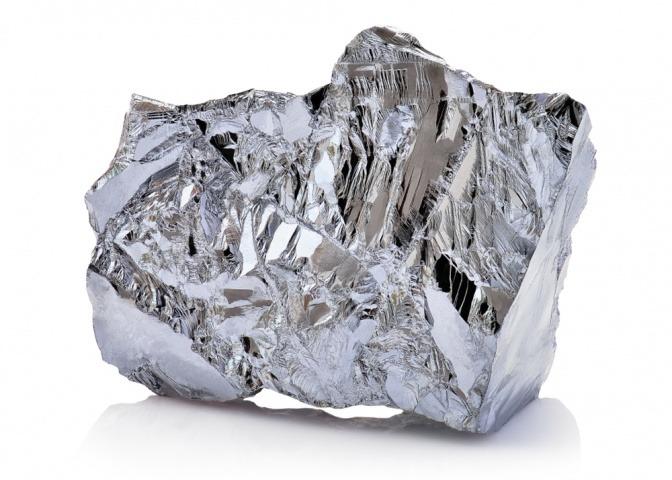 ein Stück Silber als Bestandteil für Kosmetik