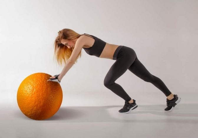 Sport und gesunde Ernährung können Cellulite mildern.