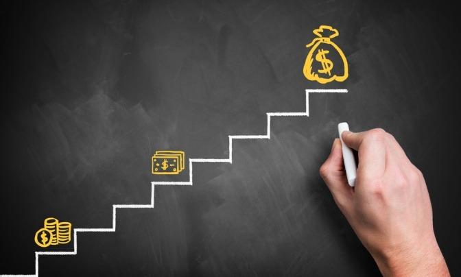 Einige Treppen führen über kleine Etappen zum großen Vermögen