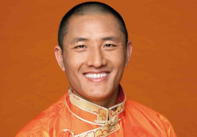 Tulku Lobsang ist hoher Buddhistischer Meister und Lehrer